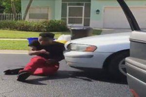 Tham gia thử thách nhảy khỏi xe đang chạy, teen chấn thương nặng