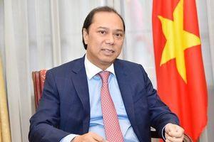 Thứ trưởng Ngoại giao, Trưởng SOM ASEAN Việt Nam Nguyễn Quốc Dũng trả lời phỏng vấn báo chí nhân dịp kết thúc Hội nghị Bộ trưởng Ngoại giao ASEAN lần thứ 51 và các hội nghị liên quan