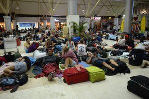Sân bay Lombok quá tải vì hàng ngàn du khách trở về sau động đất