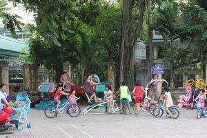 Quận Thanh Xuân cải tạo sân chơi trong khu dân cư: Người dân hưởng lợi