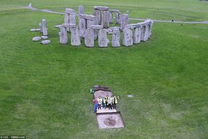 Phát hiện thêm bí ẩn ở bãi đá cổ Stonehenge 5.000 năm