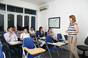 Hà Nội yêu cầu quản lý chặt các trung tâm ngoại ngữ