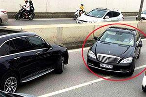 Phạt tài xế xe Mercedes biển 'ngũ quý 7' đi ngược chiều trong hầm Kim Liên