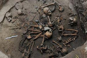 Phát hiện chấn động nhân loại trong những ngôi mộ cổ xưa