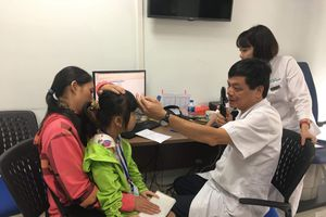 Bệnh bẩm sinh về mắt ở trẻ nhỏ: Can thiệp càng sớm càng tốt