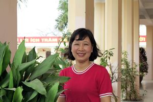 Cô giáo Phong Lan luôn truyền lửa cho học trò học môn Sinh học