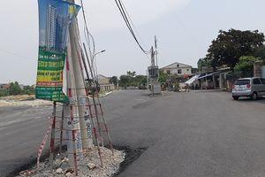 Thành ủy Vinh lên tiếng vụ trạm biến áp và cột điện 'sừng sững' giữa lòng đường