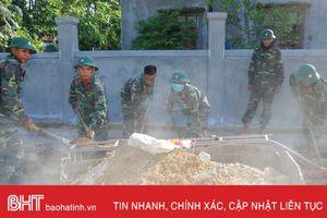 200 chiến sỹ hành quân dã ngoại giúp Mai Phụ xây dựng nông thôn mới