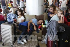 Sân bay Lombok tràn ngập những người nước ngoài muốn về nước