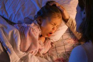 Sai lầm mẹ nào cũng mắc khi chăm trẻ bị ho khiến bệnh càng trầm trọng