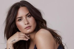 Demi Lovato xuất viện, được chuyển đến trung tâm cai nghiện sau 2 tuần sốc ma túy