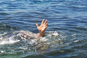 Bơi ra sông cứu bạn, nam sinh viên tử vong thương tâm