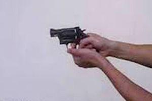 Bắt đối tượng dùng súng bắn chết người vì mâu thuẫn trong quán nhậu
