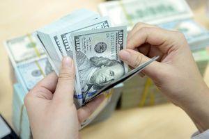 USD ngân hàng giảm nhẹ, 'chợ đen' đi ngang