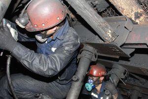 Tụt đổ hầm lò vùi lấp 2 công nhân, 1 người chết