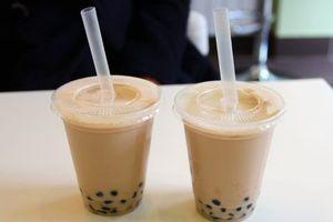 Hai chị em ruột nghi bị ngộ độc thực phẩm sau khi uống trà sữa