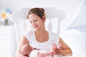 Trung Quốc kêu gọi tạo môi trường khuyến khích nuôi con bằng sữa mẹ