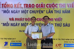 Báo Hànôịmới trao giải cuộc thi viết 'Mỗi ngày một chuyện' lần thứ 5
