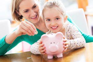Cách cha mẹ dạy con quản lý tiền bạc từ nhỏ