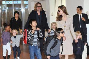 Angelina Jolie 'tố' Brad Pitt không đưa tiền chu cấp cho con