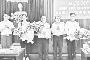 Huyện Thọ Xuân nhân rộng mô hình 'Tổ, nhóm phụ nữ tiết kiệm giúp nhau mua thẻ BHYT'; 'Phát triển đối tượng tham gia BHXH tự nguyện'