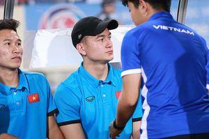 Mất suất ASIAD, Đặng Văn Lâm được động viên 'tỏa sáng ở AFF Cup'