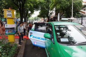 TP. HCM thí điểm 5 điểm đón taxi tại quận 1