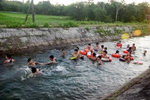 Nhân rộng mô hình dạy bơi miễn phí cho trẻ em