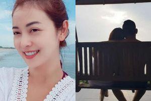 Hoa hậu Jennifer Phạm gợi cảm ở bãi biển dành lời đường mật cho chồng đại gia