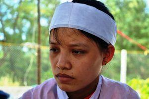 Nữ sinh đeo hai vành tang đi thi đã đỗ đại học, giữ lời hứa trước vong linh cha và bà nội