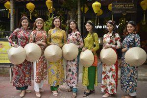 7 hoa hậu thế giới diện áo dài dạo bước giữa Hội An