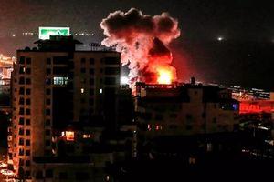 Người dân Israel hoảng loạn trước trận 'mưa tên lửa' phóng từ dải Gaza