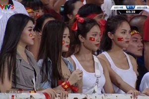 Dàn hot girl World Cup phản pháo việc bị ném đá khi đi cổ vũ đội Olympic Việt Nam