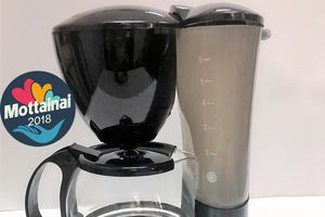Máy pha cà phê tiện dụng, giá 'mềm' bất ngờ