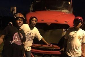 'Hiệp sỹ' tìm thấy xe container bị mất trộm cho người dân