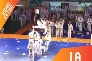 Màn biểu diễn 'liên hoàn cước' mãn nhãn của đội Taekwondo