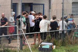 Pháp sơ tán khoảng 1.600 người do lũ quét đe dọa nhiều khu vực