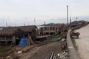 Thanh Hóa: Xây dựng cầu tàu, nhà chứa ngư cụ trái phép trên đê biển