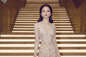 Hương Giang quyến rũ với váy xuyên thấu bó sát tại sự kiện