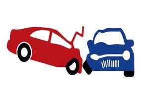 Va chạm giữa xe ô tô con và xe container, 5 người bị thương