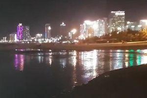Biển Đà Nẵng bị nhuộm đen: Dân cần chính quyền hành động quyết liệt