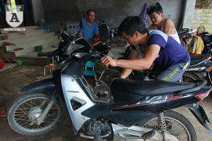 Cửa hàng sửa xe miễn phí cho người dân vùng lũ tại Chương Mỹ