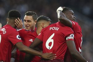 MU thắng Leicester 2-1: Hãy cứ vui khi có thể