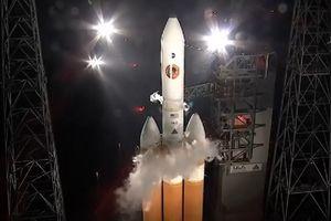 NASA hoãn phóng tàu thăm dò Mặt Trời vào phút chót