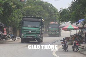 'Giặc quá tải' trẩy hội sát vách trụ sở Thanh tra giao thông Hà Nội