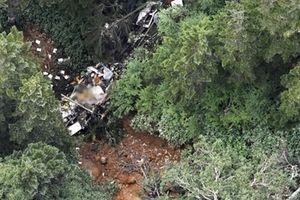 Trực thăng chở đoàn cứu hộ rơi, nhiều người chết