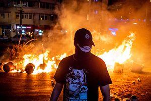 80.000 người biểu tình chống tham nhũng biến thành bạo lực ở Romania