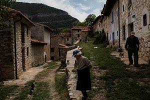 Kỳ bí ngôi làng Châu Âu chỉ có hai cư dân sinh sống