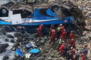Bản tin 20H: Tai nạn xe buýt kinh hoàng, 58 người thương vong