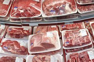 'Sốc': Chỉ 6 tháng đã nhập hơn 100 nghìn tấn thịt lợn, gà siêu rẻ